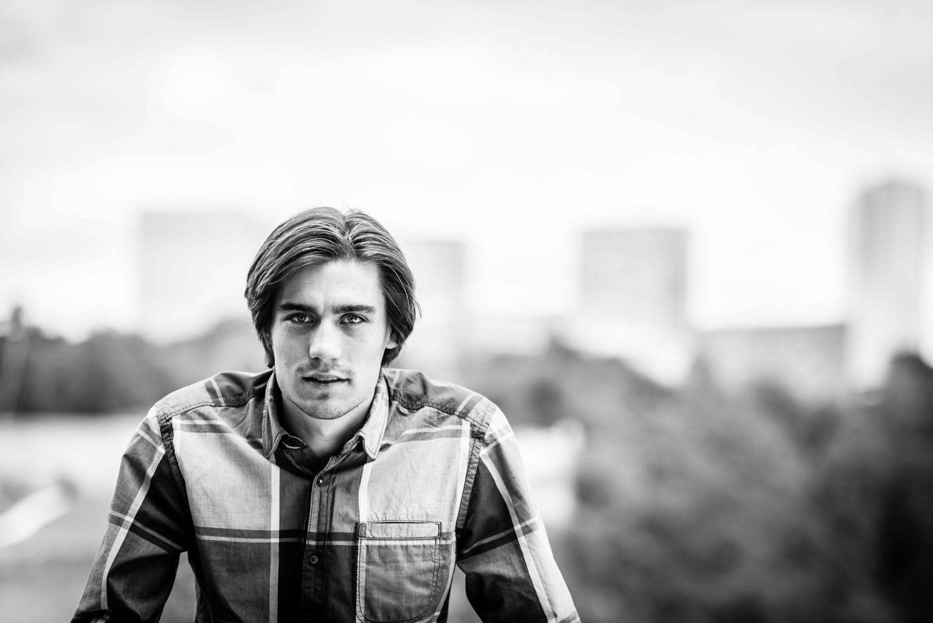 Jonathan Reichling-black & white-1